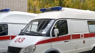 На трассе в Воронежской области Mercedes сбил пешехода