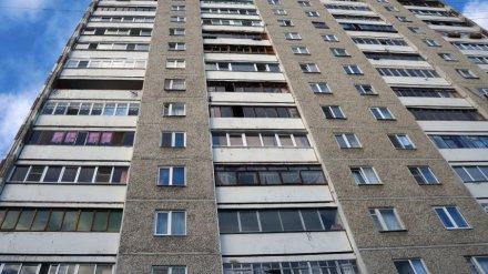 В Воронеже из окна 9 этажа выпал 33-летний мужчина