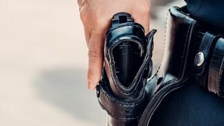 В Воронеже попытавшийся отнять оружие у полицейского бомж предстанет перед судом