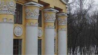 Подрядчика оштрафовали на 100 тысяч за разрушение колонны воронежского лестеха