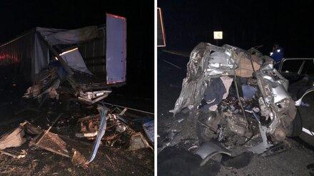 Появились фото с места ДТП с 5 погибшими на воронежской трассе