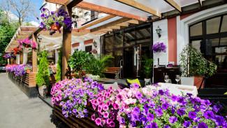 Собственников кафе и ресторанов Воронежа заставят озеленять летние веранды
