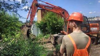 Для устранения коммунальной аварии в Воронеже демонтировали гараж