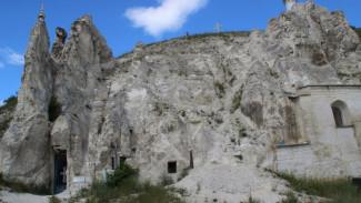 Власти отложили передачу пещерного храма «Дивногорья» Воронежской митрополии