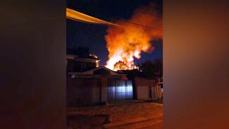 Воронежцы показали крупный пожар на окраине города