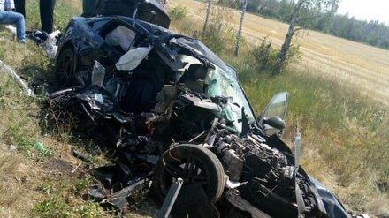 Молодые мужчина и женщина насмерть разбились в ДТП на воронежской трассе