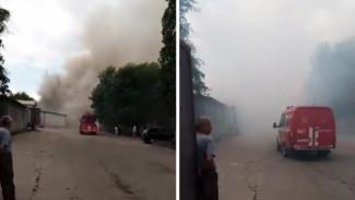 В Воронеже загорелся склад лакокрасочного завода