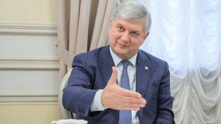 Воронежский губернатор пообещал не лезть без очереди за вакциной от COVID-19