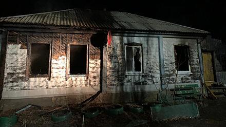 Гибель 2 взрослых и малыша на пожаре в воронежском селе привела к уголовному делу