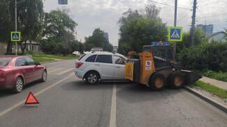 В Воронеже неизвестный спровоцировал ДТП с пострадавшей и скрылся
