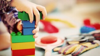 Воронежцев попросили наполнить игрушками «коробки храбрости» в областных больницах
