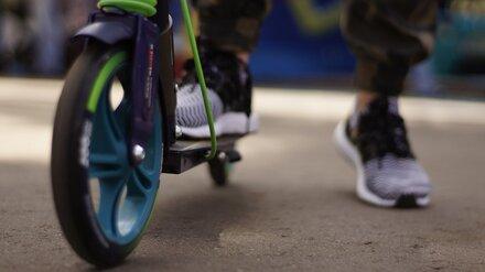 Полиция займётся поиском протаранивших машину подростков на электросамокатах в Воронеже