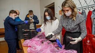 Председатель облдумы поздравил воронежцев с Днём волонтёра