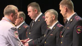 Воронежские полицейские начали принимать поздравления с профессиональным праздником
