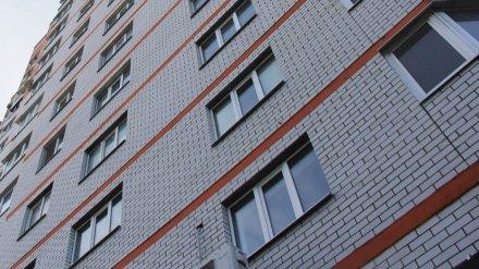 В Воронеже женщина выпала из окна 7 этажа
