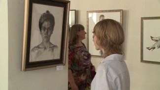 Дочь самых известных воронежских скульпторов решилась на выставку картин