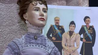 Мечта детей и коллекционеров. В Воронеж привезли более 500 авторских кукол