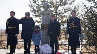 В Приморье установили бюст погибшему в Сирии воронежскому лётчику Роману Филипову
