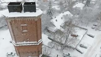 В Воронеже старинная башня помешала застройке соседнего участка