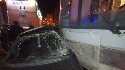 Появились подробности ДТП с участием маршрутки и легковушки с 6 пострадавшими в Воронеже