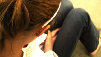 В Воронежской области отец таскал дочь за волосы и издевался, наказывая за плохую учёбу