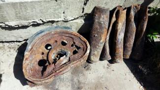 Воронежцы обнаружили в центре города детали немецкого танка