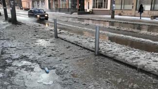 В Воронеже из-за коммунальной аварии жильцы 9 домов и студенты ВГУ остались без тепла