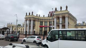 На главном вокзале Воронежа протекла новая крыша