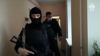 Появилось видео задержания главаря банды, обманувшей воронежцев на 10 млн