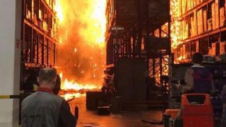 На видео попала эвакуация сотрудников сгоревшего под Воронежем «Магнита»