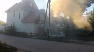В Воронеже неизвестные подожгли машину члена Общественной палаты