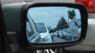 Воронежцам показали растянувшуюся на 9 км пробку на северном выезде из города