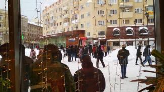 Воронежцы облили зелёнкой парня, пришедшего на ЛГБТ-митинг