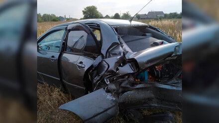 Отлетевшая после ДТП машина сбила собственного водителя на трассе в Воронежской области