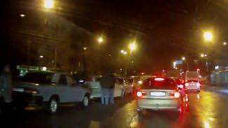 ВИДЕО: в Воронеже на Левом берегу столкнулись сразу пять автомобилей