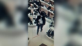 У главного раввина Воронежской области в ТЦ украли сумку с деньгами: появилось видео