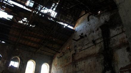 Смертельно опасные руины завода под Воронежем решили закрыть от любителей селфи