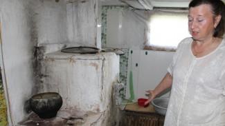 Под Воронежем ветеран Великой Отечественной вынужден жить в аварийном доме
