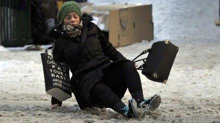 Более 1,1 тыс. жителей Воронежской области пострадали из-за плохой уборки тротуаров