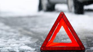 На трассе под Воронежем в результате столкновения двух иномарок пострадали 2 человека