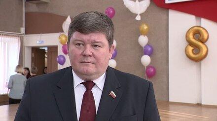 Попавшемуся на коррупции вице-спикеру гордумы Воронежа запретили гулять по ночам