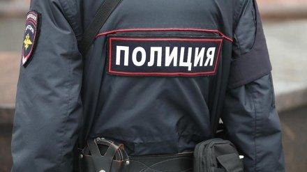 В Воронежской области двух мужчин осудили за плевки в полицейских