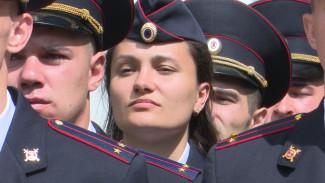 Выпускники Воронежского института МВД получили лейтенантские погоны