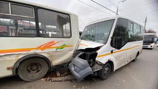 В Воронеже три пассажира пострадали в ДТП с маршрутками