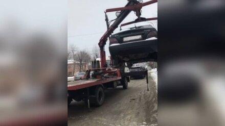В Воронеже у водителя отняли машину из-за полумиллионного долга