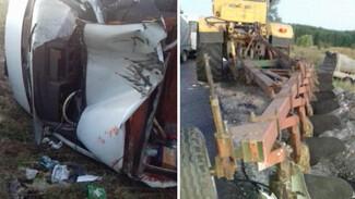 Под Воронежем в ДТП с трактором пострадала компания молодёжи
