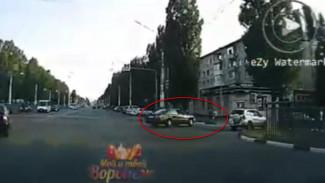 Появилось видео момента смертельного ДТП с полицейским в Воронеже