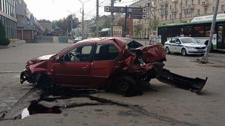В Воронеже лихач-рецидивист устроил два жёстких ДТП с разницей в 5 минут