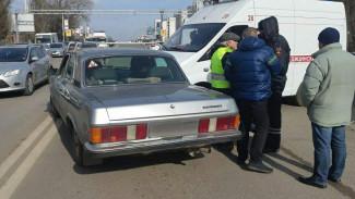 В Воронеже на Московском проспекте скорая врезалась в «Волгу»