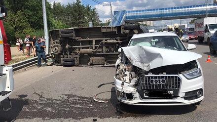 Два пассажира маршрутки пострадали в ДТП на Московском проспекте в Воронеже